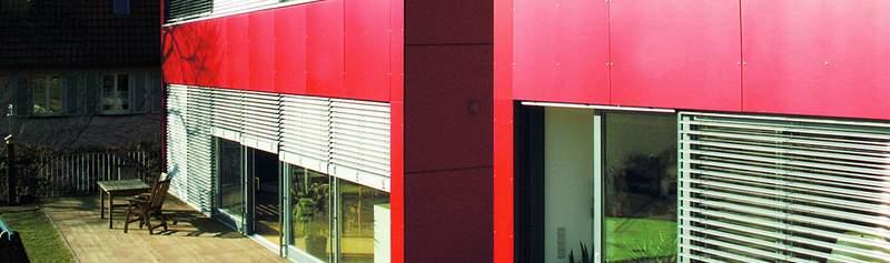KronoART HPL Platten für farbige, dauerhafte Fassadengestaltung und Brüstungen