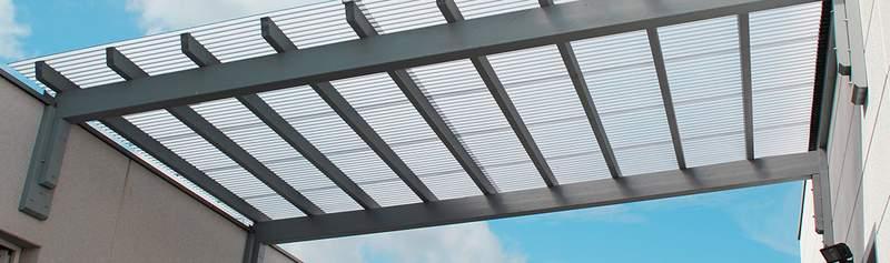 Doppelstegplatten zur Überbrückung von Hallen und Gebäuden